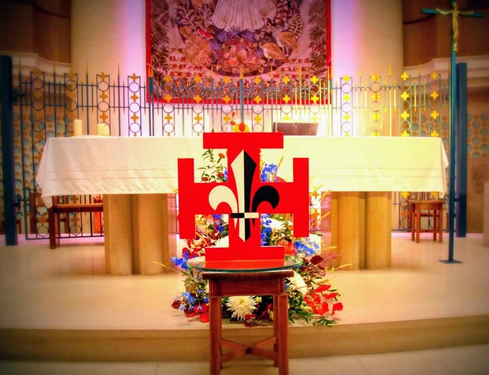 Croix suf autel